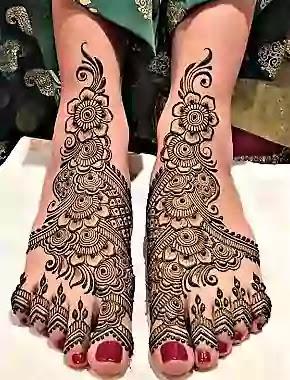 south indian bride leg mehndi design