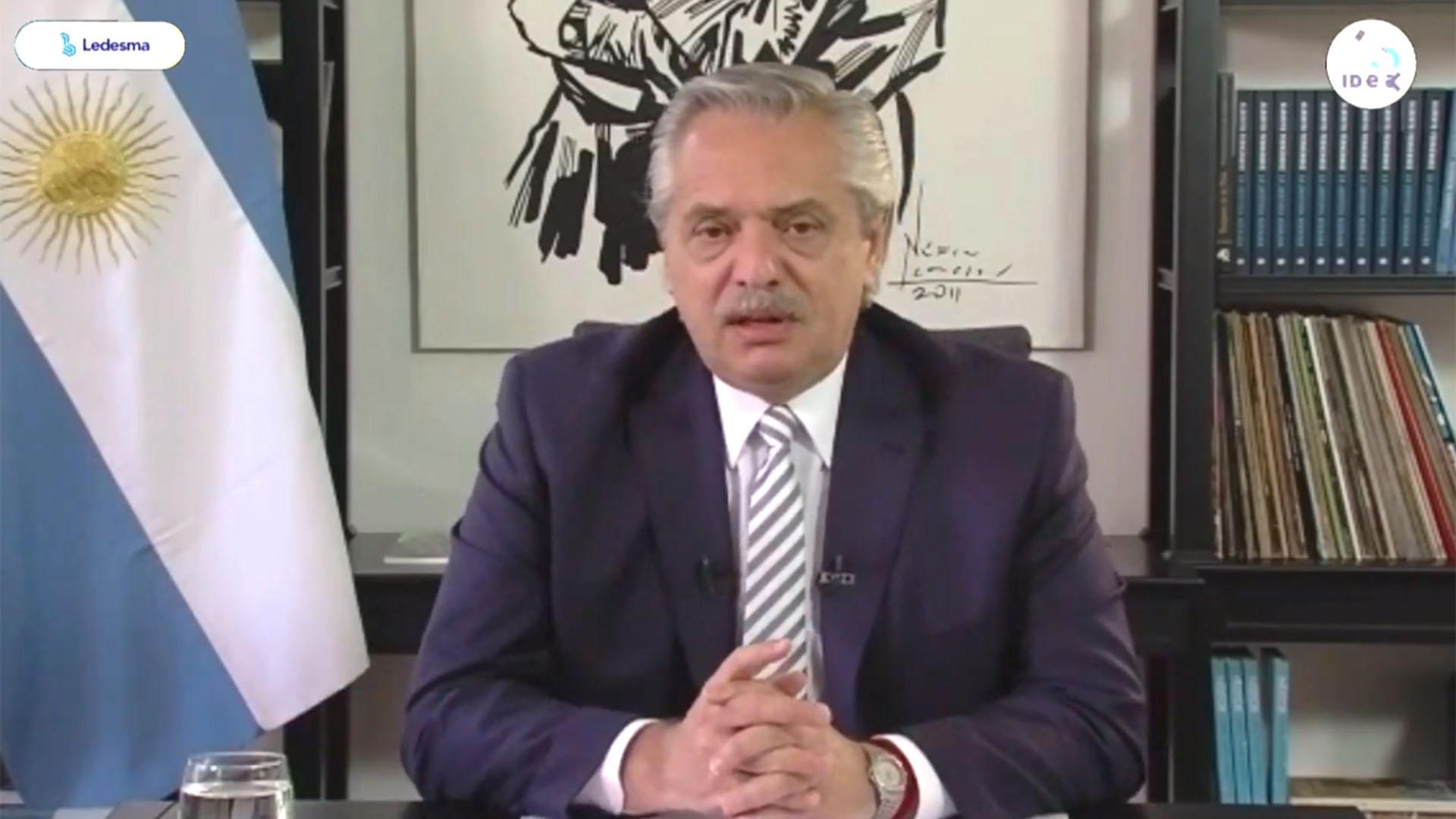 Alberto Fernández coloquio de IDEA