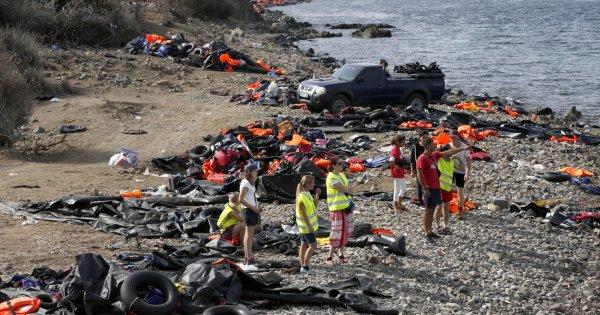 Λέσβος: Αποχωρούν μαζικά οι υπάλληλοι των ΜΚΟ μετά τις αντιδράσεις των κατοίκων!