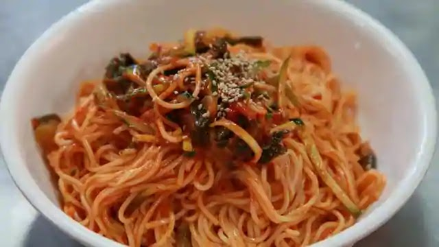 How to make Maggi Hakka Noodles