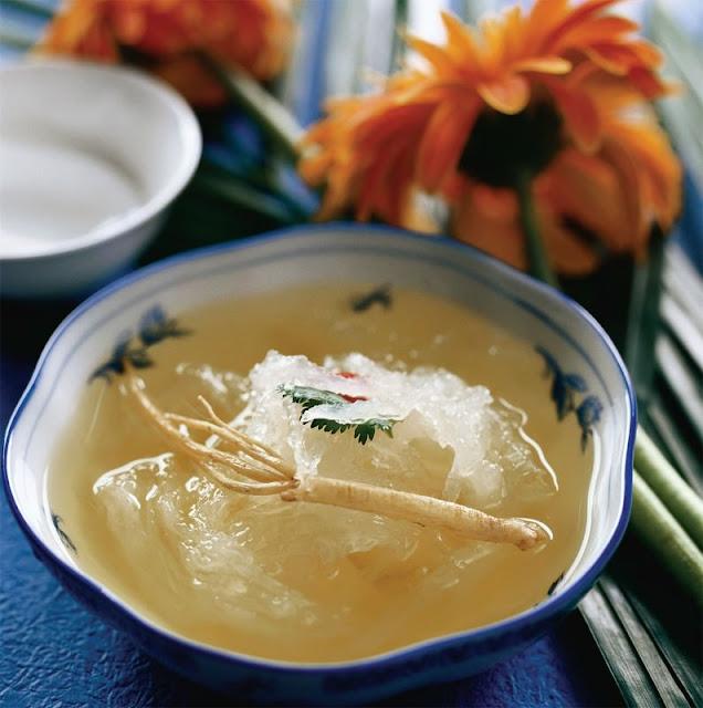 Yến chưng là một trong những món ăn bổ dưỡng mà nhiều người yêu thích.