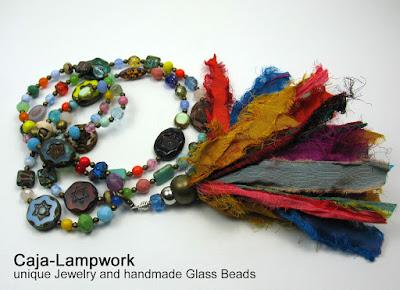 Lange Kette mit böhmischen Glasperlen