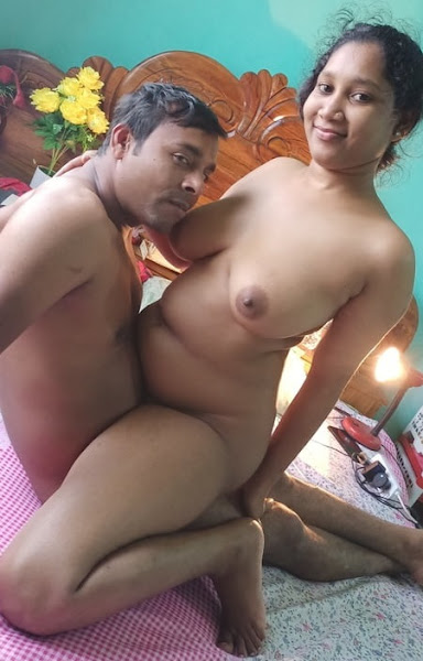 Beautiful Married Bengali Bhabhi Nude