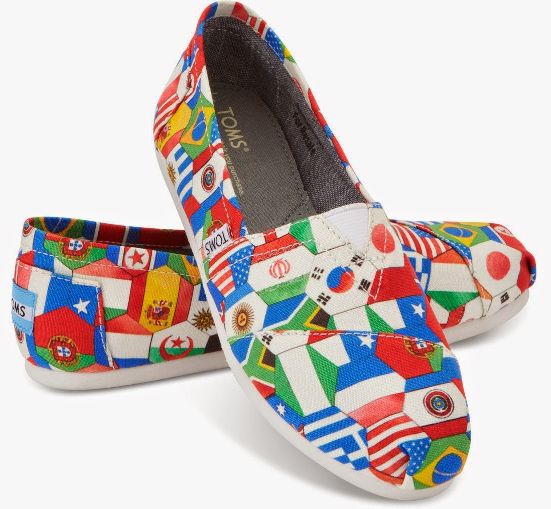 7932668102 As the World Cup draws to a close, I thought it'd be appropriate to  highlight a shoe that celebrates various countries by featuring a pattern  made up of ...