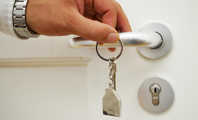 Como funciona e quais as vantagens de optar pelo seguro fiança locatícia para garantia do aluguel?