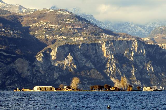 isola lago di garda