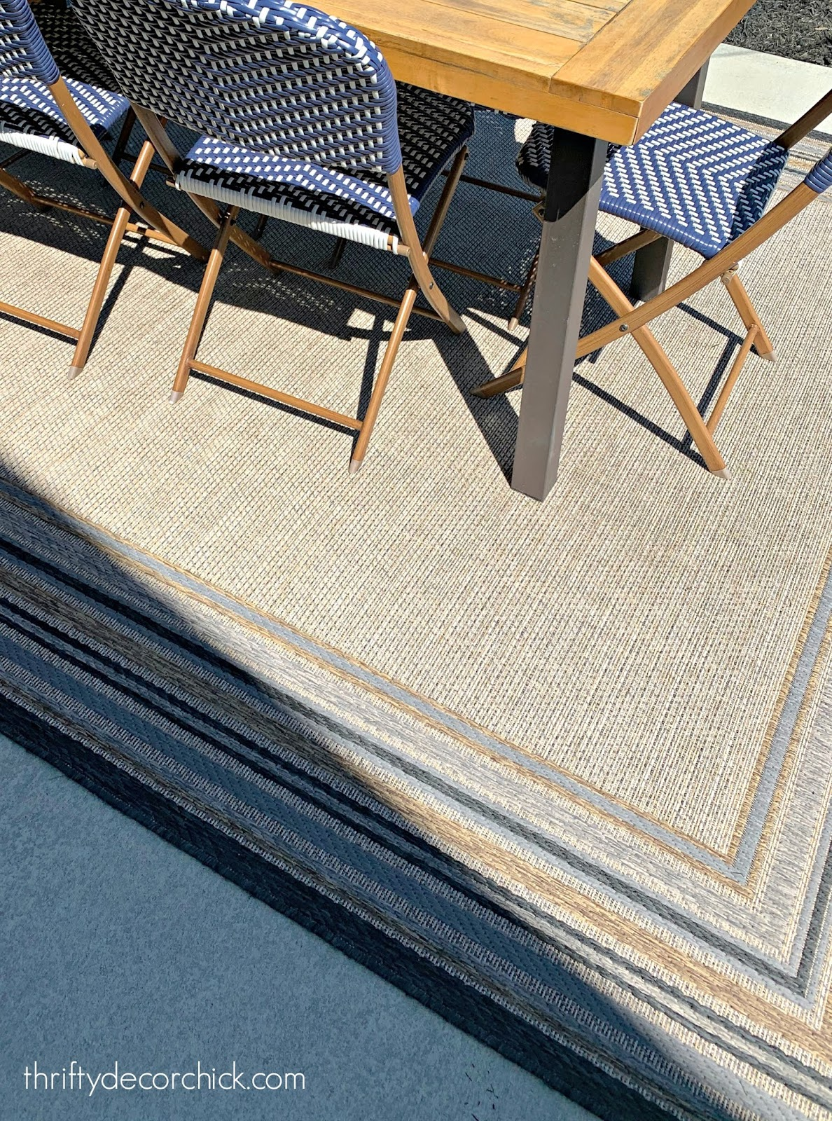 Easy way to clean outdoor rugs