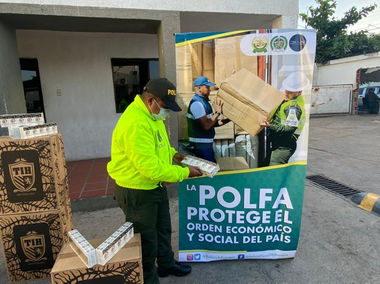 https://www.notasrosas.com/Polfa incauta en Maicao 25 mil cajetillas de cigarrillos, avaluadas en más de 125 millones de pesos