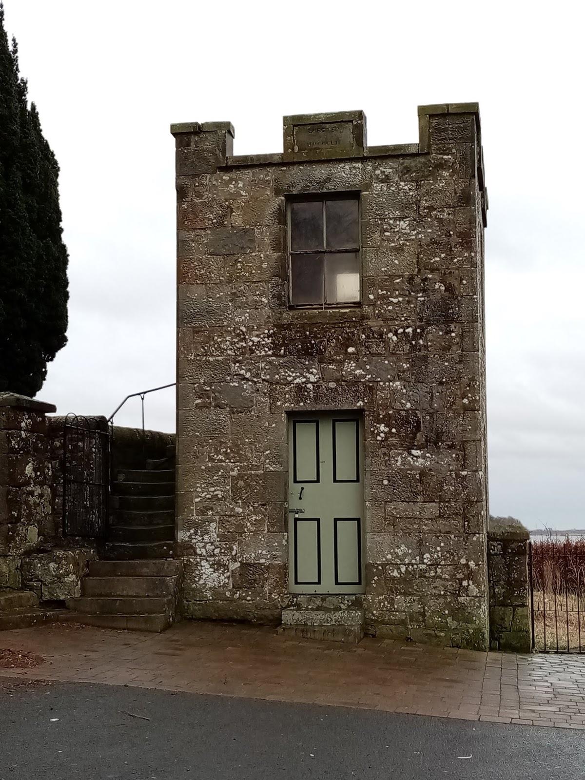 Woodland Holiday Cottage near Edinburgh