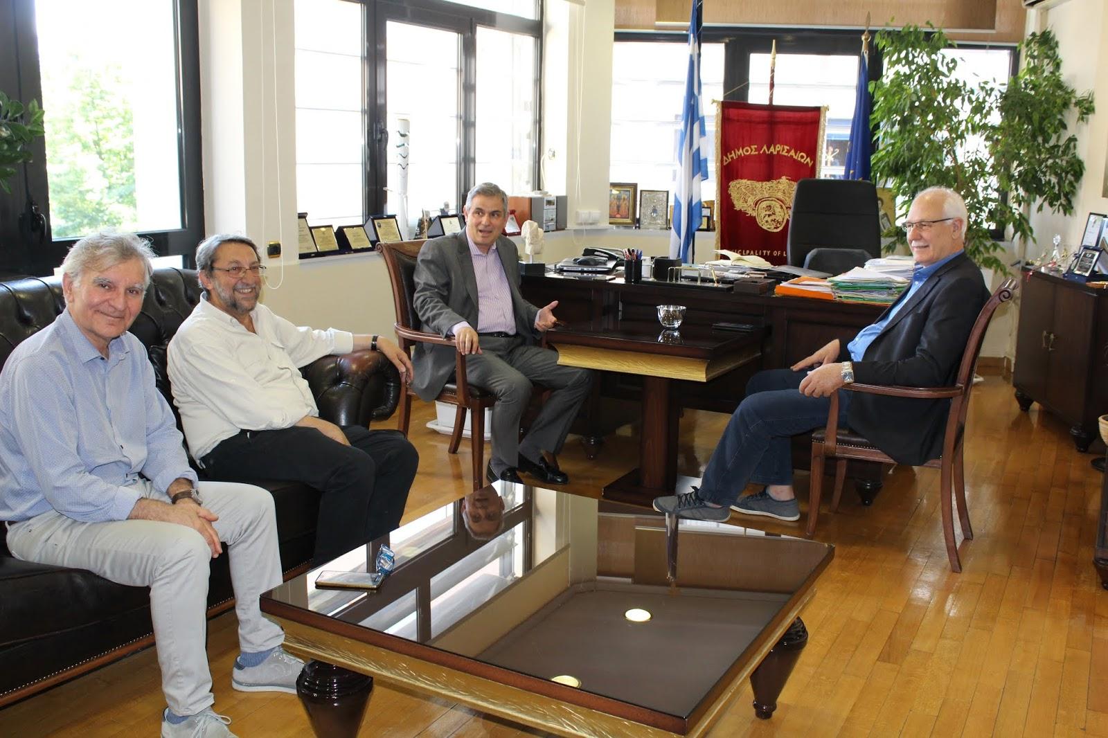 Στον δήμαρχο για συγχαρητήρια και ευχές ο Φίλιππος Σαχινίδης
