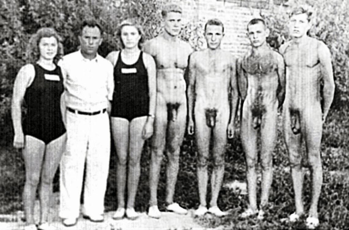 male gay nudity