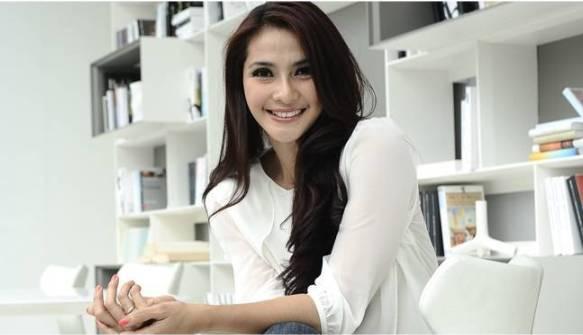 Maudi Kusnaedi - Artis seleb cantik indonesia banget