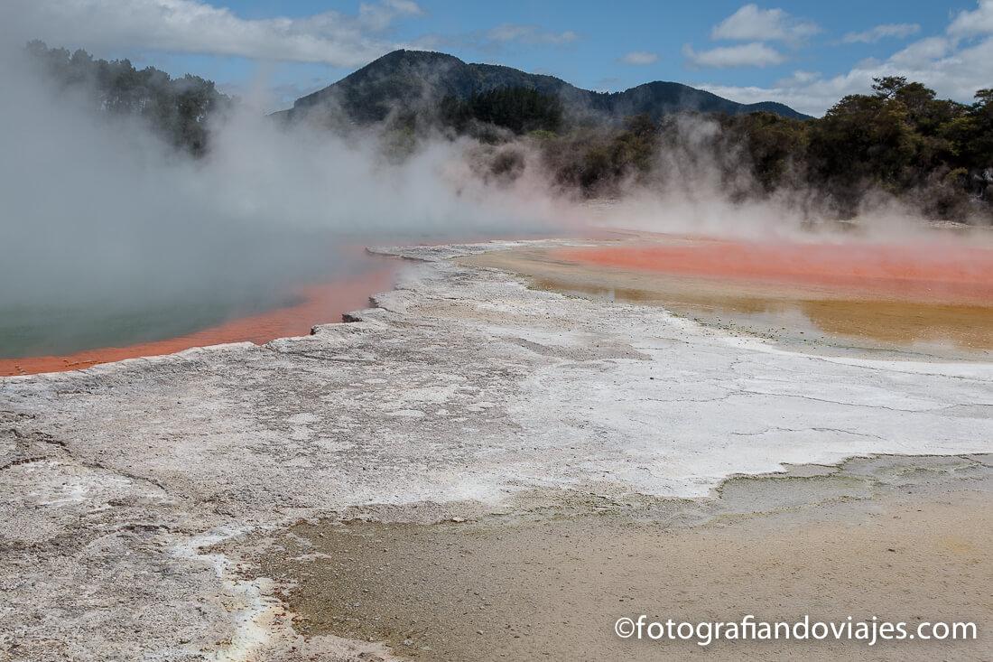 Champagne Pool en Wai O Tapu Thermal Wonderland, Rotorua, Nueva Zelanda
