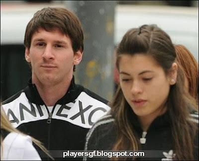 Lionel Messi and his present Girlfriend Antonella Roccuzzo