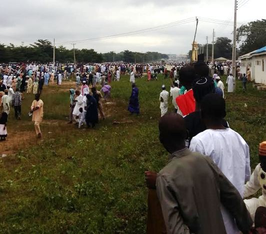 People Stone Saraki At Ilorin Eid Praying Ground