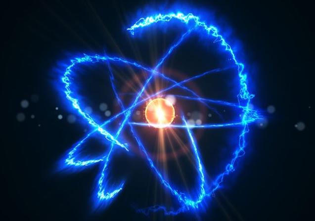 ما هي الذرة ومما تتكون