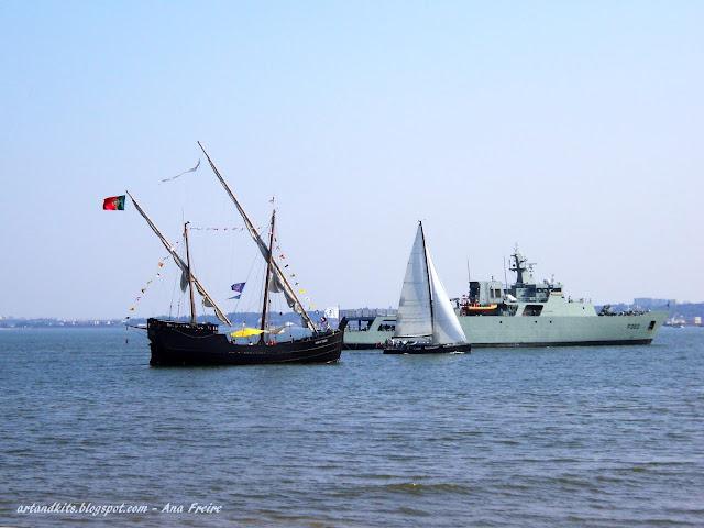 Estamos todos perante a mesma tempestade... Apenas nos encontramos em barcos diferentes... e a navegar à vista... / We are all facing the same storm. Sailing in sight, each one in his boat... all different...