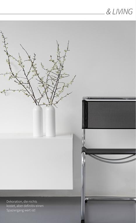 Kostenlose Dekoration - Kirschblütenzweige in der Vase - so kannst du minimalistisch dekorieren.