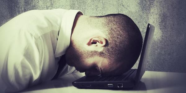 Quase 70% dos universitários de TIC desistem dos cursos.
