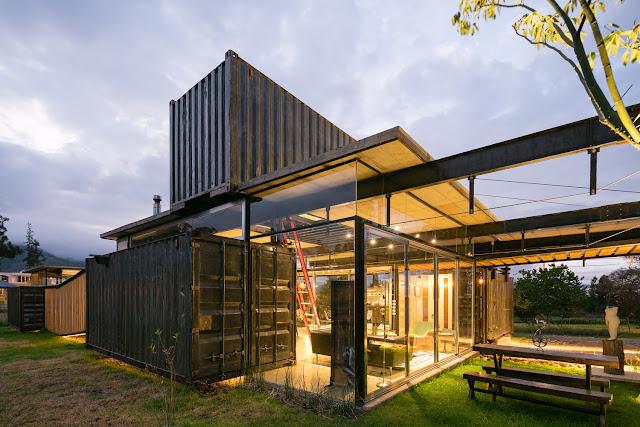 Casa RDP - Shipping Container Industrial Style House, Ecuador 5