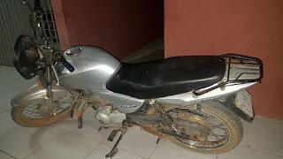 Duas motos com restrição de roubo e placa aduterada são apreendidas por policiais do 4º BPM