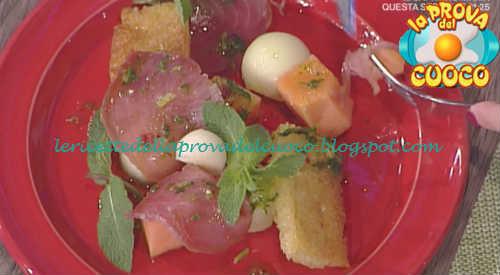 Prova del cuoco - Ingredienti e procedimento della ricetta Bresaola di tonno con melone di Cesare Marretti