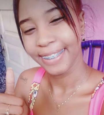 Corpo de mulher morta a tiros é encontrado às margens da BA-555, no sudoeste da Bahia  — Foto: Arquivo Pessoal  O corpo de uma mulher foi encontrado nesta segunda-feira (30), às margens da BA-555, que liga a BR-116 à cidade de Lafaiete Coutinho, no sudoeste da Bahia.  De acordo com a Polícia Civil, a vítima, identificada como Raquel da Conceição Santos, era de Jequié. Ela foi atingida com um tiro na cabeça. Ainda não há informações sobre a autoria e a motivação do crime.  As investigações iniciais apontam que o crime não ocorreu no local e possivelmente o corpo tenha sido deixado na região. O caso é investigado pela delegacia da cidade.