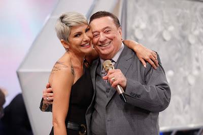 Raul Gil e Antônia Fontenelle (Crédito: Rodrigo Belentani/SBT)