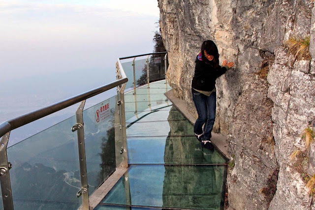 Passarela de vidro Tianmen Montain - China