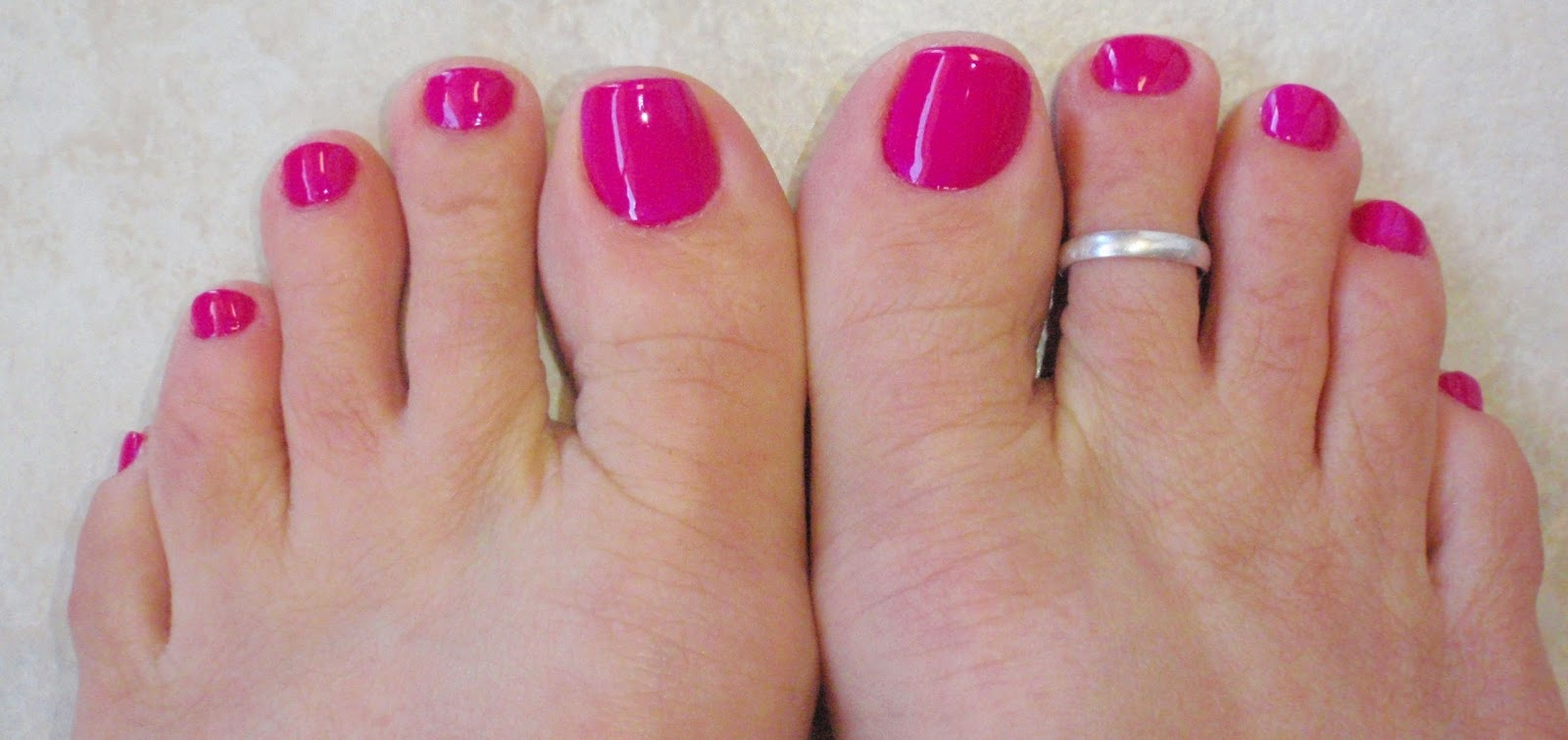 toe nail color
