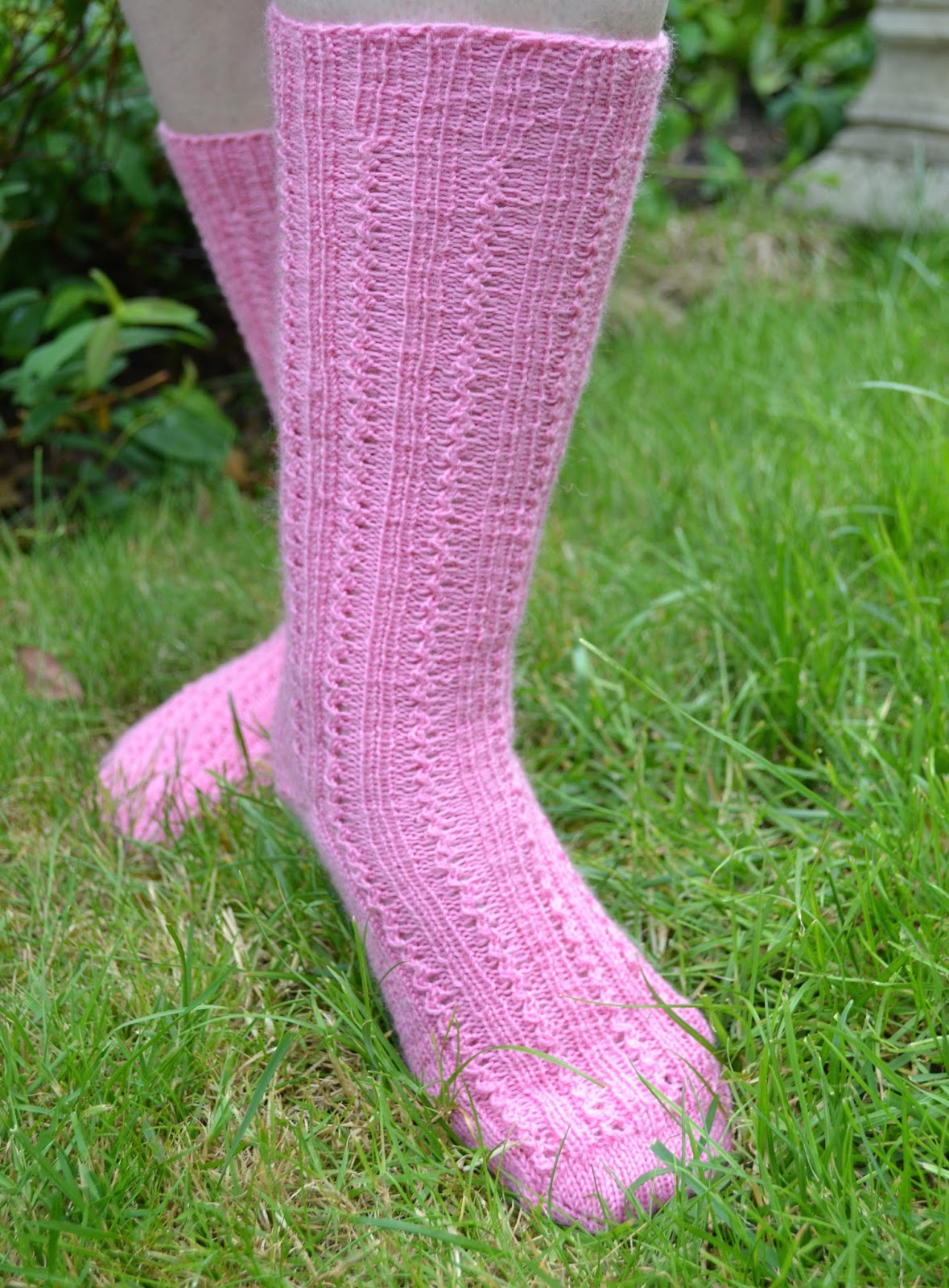 My Pretty Pink Gel Nails: Ginx Craft: My Pretty Pink Socks