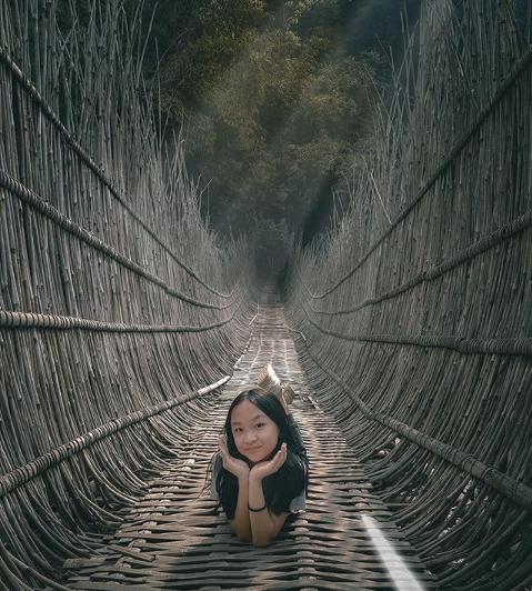 Menikmati Aliran Sungai di Driam Riverside Bandung