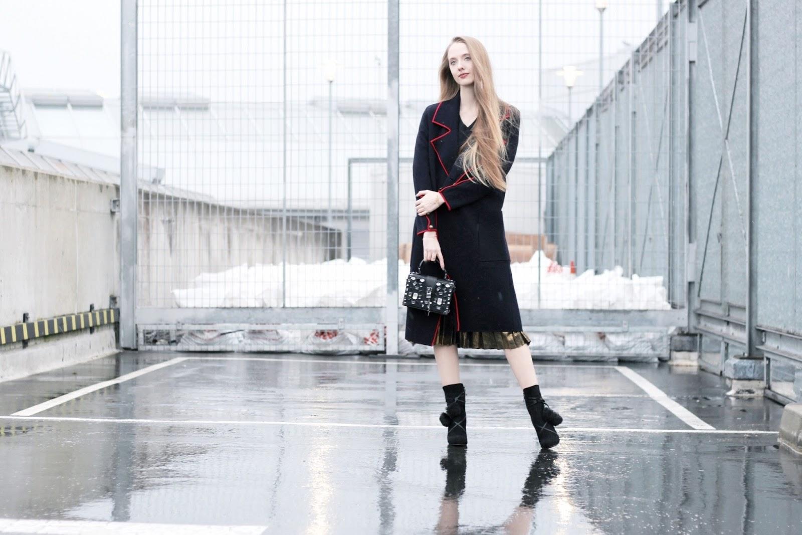 Fashion blog dressing up a cardigan coat