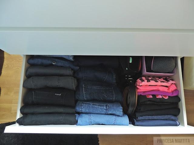 organizacja ubrań spodnie