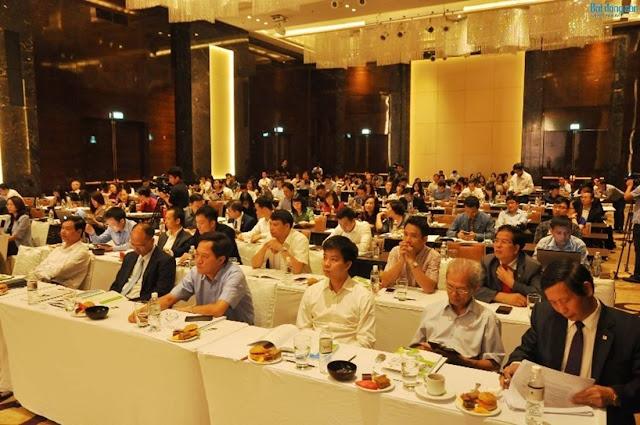 Các đại biểu bộ ban ngành tham dự buổi hội thảo