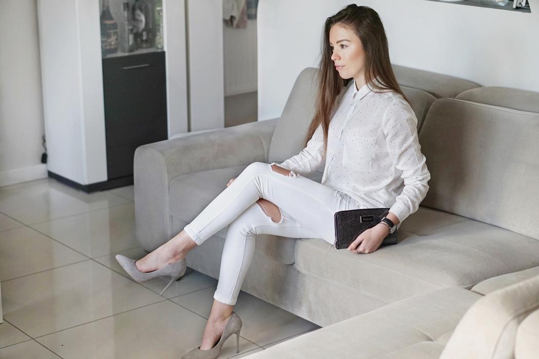 Subtelna biała koszula