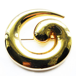 Curled Monet brooch circ 1990s