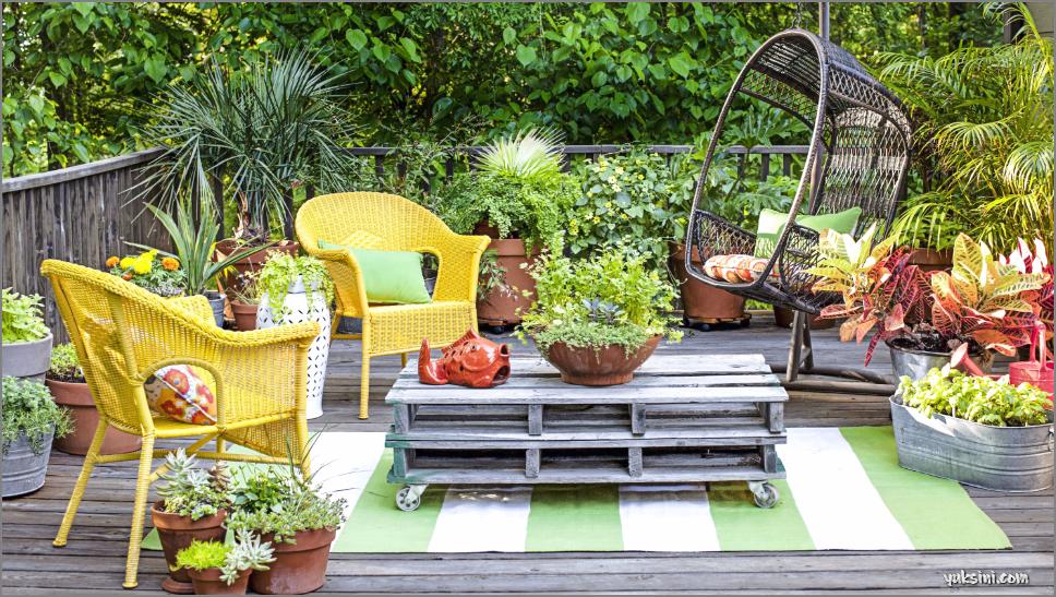 desain taman kering praktis di depan rumah