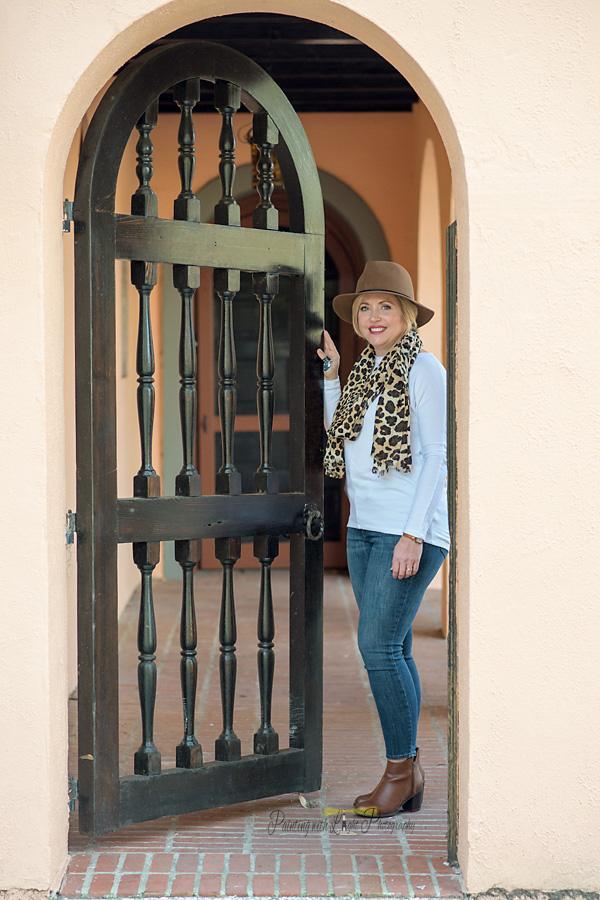 fall fashion, womens fall fashion, cute fall outfit, leopard scarf