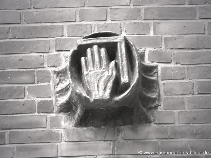 Hamburg Sprinkenhof Detail Hand