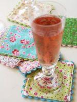 http://homemanualidades.net/como-hacer-apoya-vasos-originales/