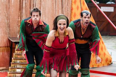 Show com a sambista Glória Bomfim e Circo Chocobrothers são atrações do domingo no Sesc Registro-SP