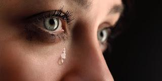 Penyebab Umum Kenapa Perempuan Menangis?