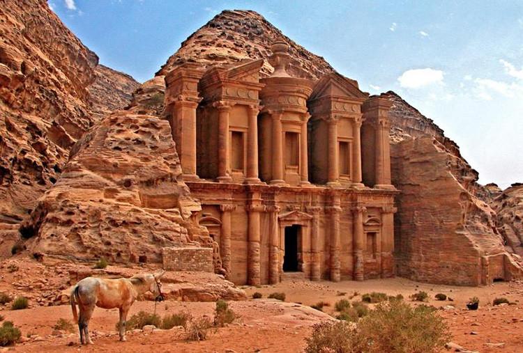 Al-Deir, el mayor monumento de Petra (Jordania).