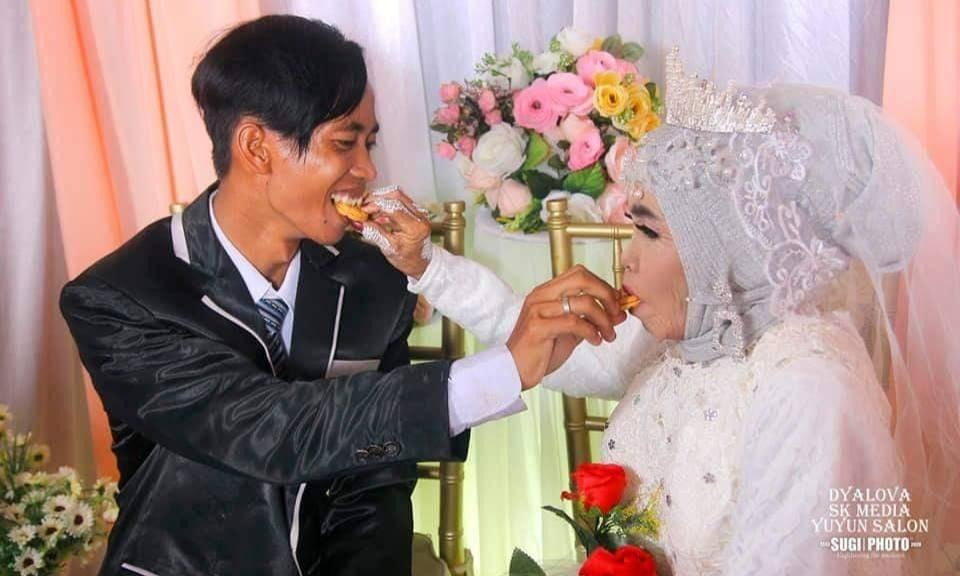 matrimonio-mujer-mayor-con-joven