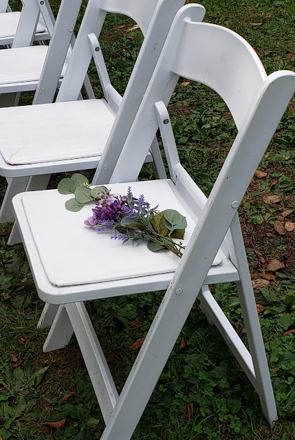 the washington ceremony chair with flowers