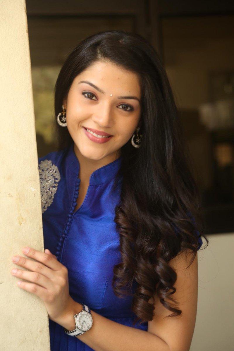 Actress MehreenPirzada Latest HD Images