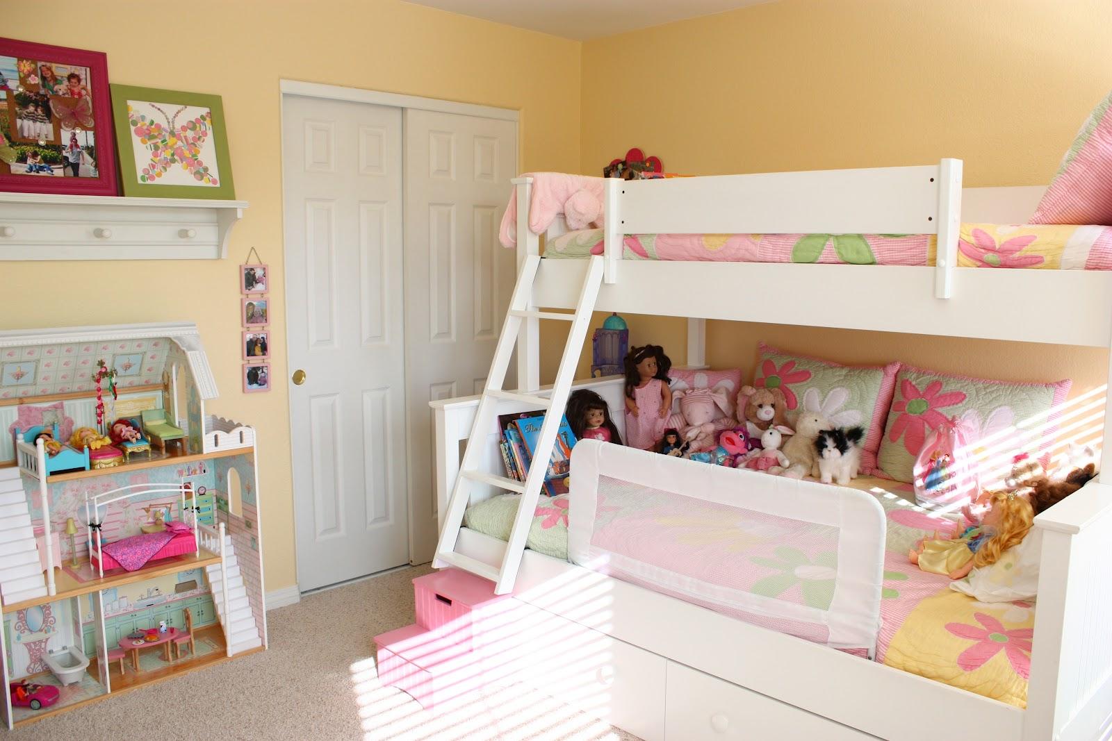 Organized Bookshelf & Girls' Room