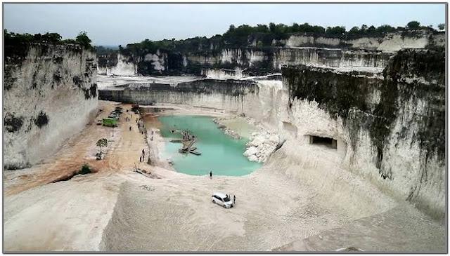 Danau Biru - Bukit Jaddih;10 Top Destinasi Wisata Bangkalan;