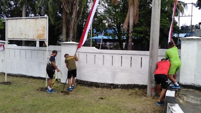 Sambut Hari Kemerdekaan RI ke 75, Yonmarhanlan VIII Bitung ,dimeriahkan dengan Merah Putih dan umbul -umbul